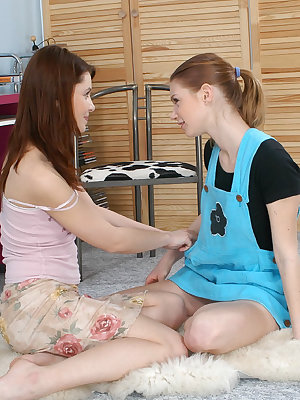 Two just 18 year old teens first lesbian experience