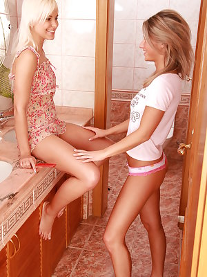 lesbian teens ready for a good dildo session
