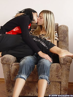 Pussy licking lesbian teens
