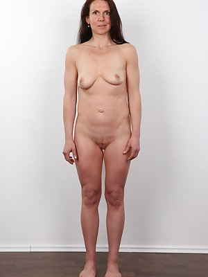Here comes another masterpiece by the notorious amateur project. You came to the right place at the right time. The girl in the spotlight is called Katka and she is an interesting married mother. She came to us more than horny. Her pussy got uncontrollabl