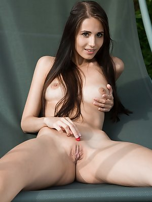 With a sweet smile, Vanessa Angel showcases her nubile body in front of the camera