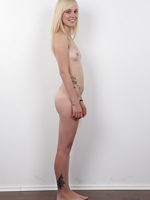 Orgasm live! Get ready for Veronika, a blond Czech mommy. You'll adore her. She is no chatty goose. She knows what she wants and she has a spectacular butt! Do you dig babes with nice asses? You should better sit down. Her buttocks are the eighth won