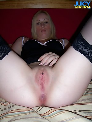 Amazing hot blonde MILF loves to suck cock
